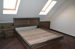 Двуспальные и полуторные кровати из натурального дерева