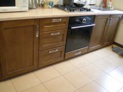 Кухонные шкафы, столешницы, столы из натурального
