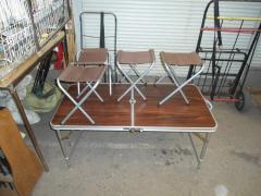 Стол со стульями складные