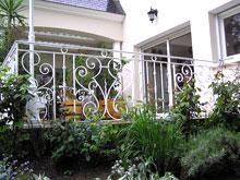 Декоративные кованые ограждения для террас