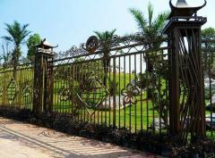 Заборы и ограды металлические  Заборы и ограды