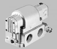 Электро- и пневмоуправляемые распределители 4/2 высокой пропускной способности VUVM1 и VUWM1 для применения в тяжелых условиях эксплуатации