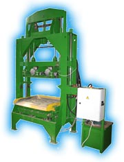 Vibrating presses and the vibropressing lines for