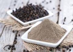 The black pepper ground (the Indian grinding).