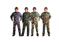 Suit uniform of camouflage fabric of gre