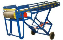 Conveyor inclined warehouse