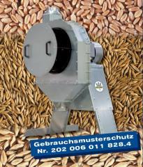 Molotkovye zernodrobilki by Neuero RVO (Germany)