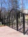 Ворота кованные и простые.