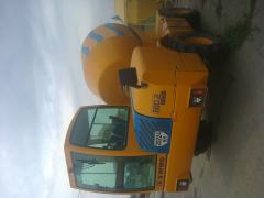 The auto concrete mixer With SELF-LOADING of