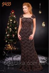 Вечернее гипюровое женское платье