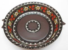 Dish to a keramicheskra with handles