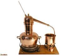 Distiller for essential oils