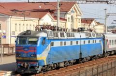 Satellite control of railway transpor