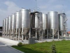 Tanks industrial of stainless steel under the