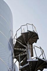 Лестницы и обслуживающие площадки из нержавеющей