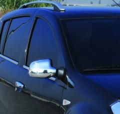 Corrosion-proof pad on mirrors of Renault Sandero