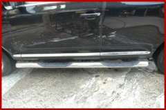 Footboard on car of Volkswagen Touareg 2010 of