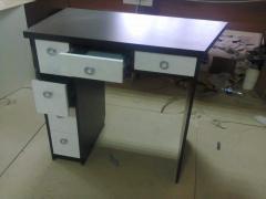 Desks in assortmen