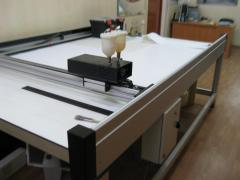 We offer the machine for drawing a contour