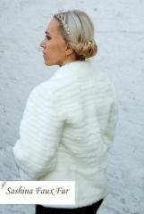 Fur coat for the bride from the fur imitating fur