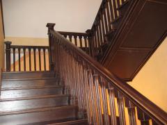 Лестницы деревянные под заказ. Лестницы деревянные