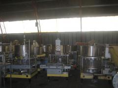 Equipment for packaging of liquid and pyureobrazny