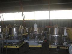 Sıvı ve püre şekilli ürünleri paketleme için donatım