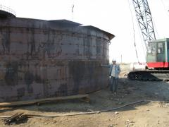 Vertical tanks for storage of oil and oil products