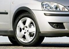 ¡Los neumáticos automovilístico la producción