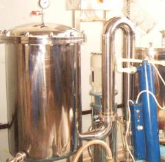 Equipment for primary winemaking