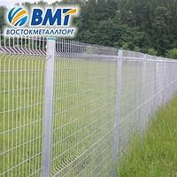 Забор из сетки с ребром жесткости