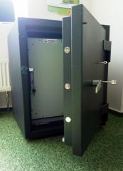 Сейф для хранения носителей информации