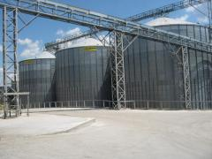 Elevators for storage of grain from metal silos