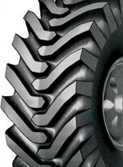 Los neumáticos para la técnica de camino, los