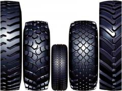 Tires for hoisting-and-transport machines,
