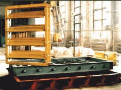 Заслонки прямоугольные пылегазовоздухопроводов с условным проходом от 300×400 мм до 5500×2500 мм.  для регулирования и отключения пылегазовоздухопроводов с температурой среды не выше +400ºС при давлении в коробе до 0,004 МПа.
