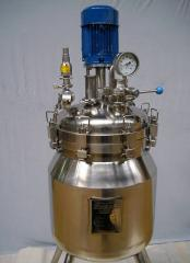 The reactor from AISI 316L stainless steel