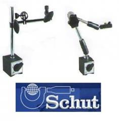 Tripods for measuring heads on magnetic basis