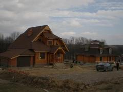 Деревянные дома на фундаменте и без фундамента из