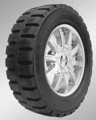 Los neumáticos para los cargadores elástico