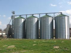 Flat-bottomed silos for grain
