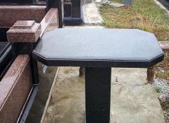 Стол гранитный,  Изделия из гранита столы