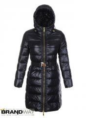 Женское пуховое пальто черного цвета Moncler