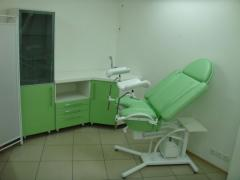 Gynaecologic chairs, obstetric beds