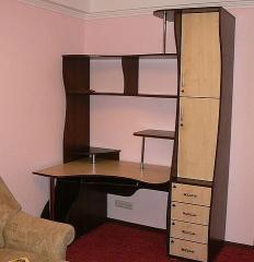 Стол угловой компьютерный с полочками