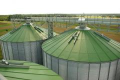Силосы на бетонном фундаменте, зернохранилища из вентилируемых (проветриваемых) силосов