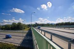 الضميمة من الطرق والجسور حاجزا من نوع