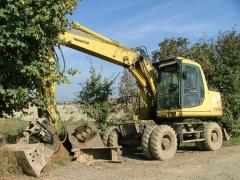 Rent of the Komatsu PW130 excavator