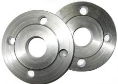 Flanges under welding (always available)