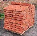 Brick ceramic ordinary, corpulent and pustotey